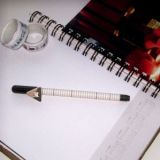 Стильная гелевая ручка